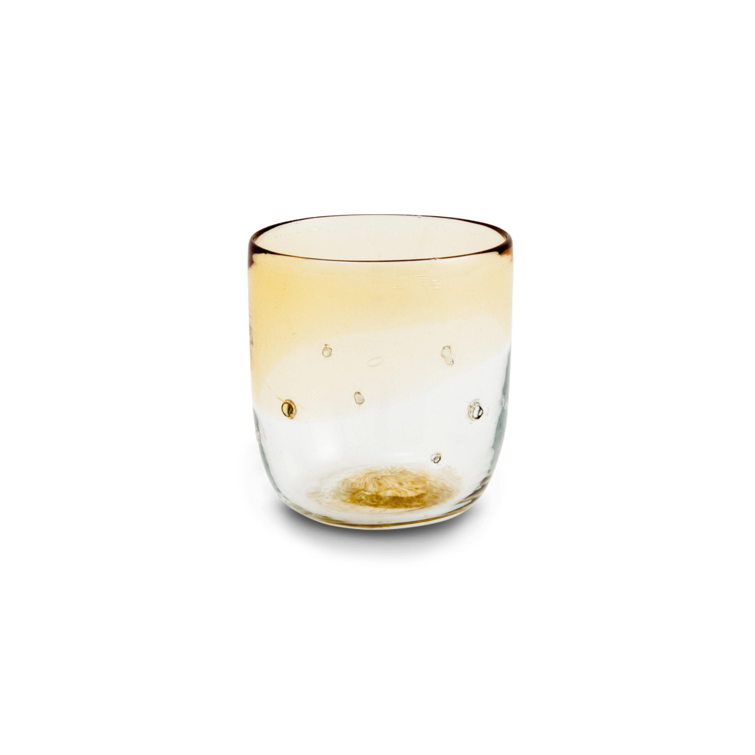 Bicchiere di vetro soffiato  con pepite d'argento