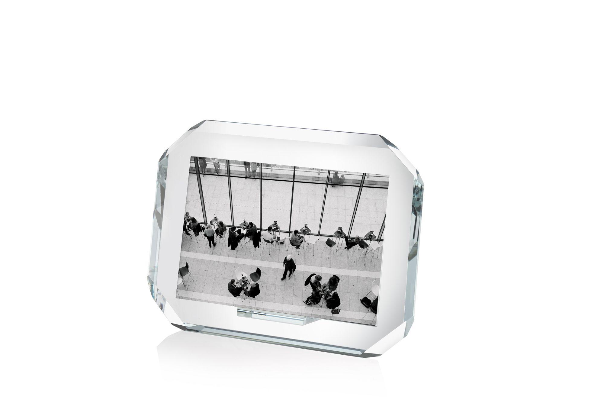 Cornice orizzontale in cristallo